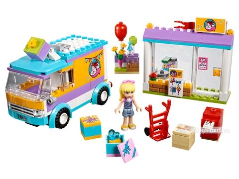 Các mô hình ấn tượng trong bộ Lego Friends 41310 - Dịch vụ giao hàng quà tặng Heartlake
