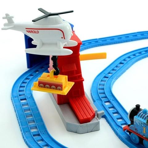 Hình máy bay cứu hộ trong bộ Thomas and Friends