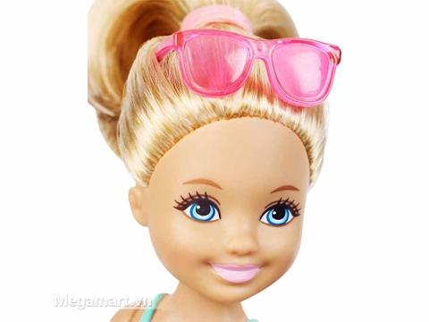 Barbie Chelsea Tập bơi - khuôn mặt bầu bĩnh của Chelsea