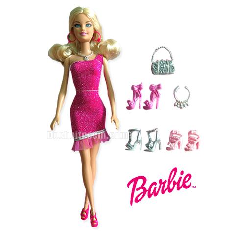 Barbie Thời trang giày với những đôi giày đượcđiêu khắc tinh xảo