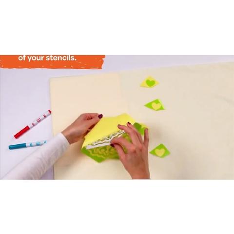 Crayola Bộ dụng cụ trang trí quần áo - hình vẽ với cách chơi đơn giản