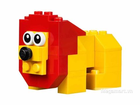 Lego Brick & More 10682 - Vali sáng tạo Lego - chú sư tử mạnh mẽ