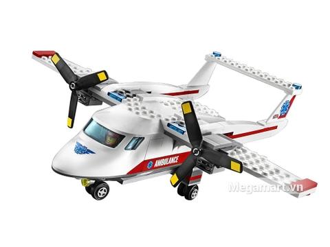 Mô hình máy bay cứu hộ được nhiều bé yêu thích