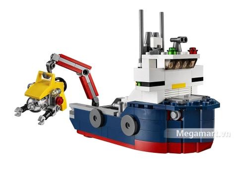 Chiếc tàu khám phá đại dương xanh trong bộ đồ chơi Lego Creator 31045 - Khám phá đại dương
