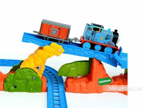 Thomas & Friend Bộ đường ray Thám hiểm vượt đồi núi - tàu di chuyển