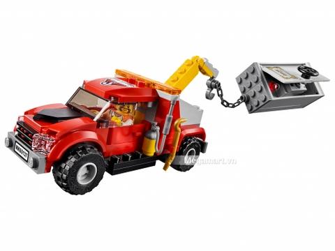 Các mô hình ấn tượng trong bộ Lego City 60137 - Xe cướp két sắt