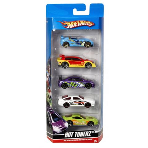 Mỗi chiếc xe trong combo cũng không trùng nhau