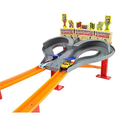 Hot Wheels Đường đua cao tốc dành cho bé trai mê tốc độ