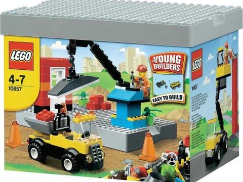 Hình ảnh hộp đựng thiết kế độc đáo của Lego Bricks & More 10657 - Bộ Lắp LEGO Đầu Tiên