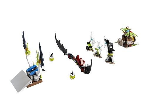 Bộ sản phẩm xếp hình Lego Chima 70136 - Cú Đánh Chuối sẽ đem đến cho bé những giây phút giải trí đầy thú vị