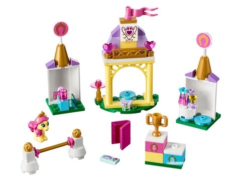 Các mô hình ấn tượng trong bộ Lego Disney Princess 41144 - Trang trại ngựa của Petie
