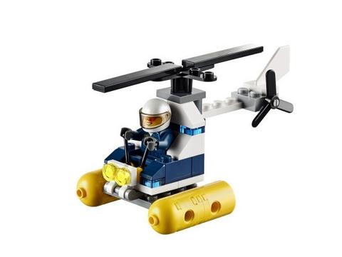 Bé học thêm nhiều kỹ năng cần thiết khi lắp ráp đồ chơi Lego City 30311 - Swamp Police