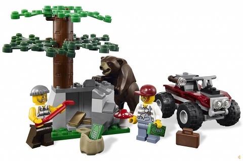 Bé sẽ được hóa thân nhiều nhân vật trong bộ xếp hình Lego City 4440 - Trạm Kiểm Lâm