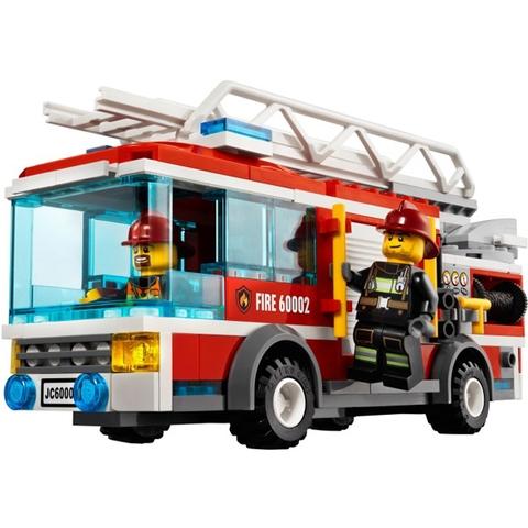 Các chi tiết có trong bộ ghép hình Lego City 60002 - Xe Cứu Hỏa