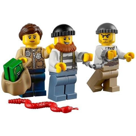 Bộ xếp hình Lego City 60066 giúp phát triển khả năng tư duy sáng tạo cho bé