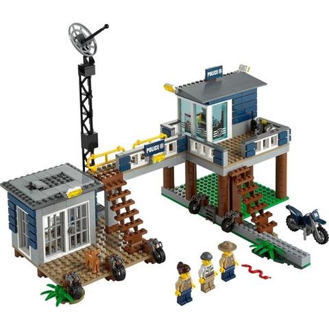 Bộ xếp hình Lego City 60069 - Trạm Cảnh Sát Đầm Lầy với nhiều mô hình chân thực và sinh động