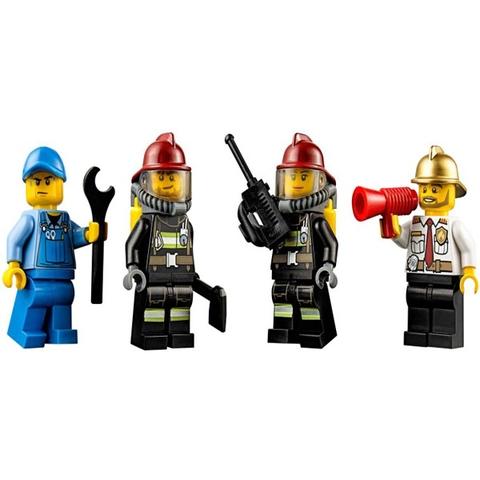 Mô hình nhân viên cứu hỏa trong Lego City 60088 - Khởi Đầu Cứu Hỏa