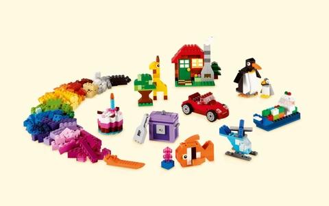 Các mô hình trong Lego Classic 10695 - Thùng gạch lắp ráp sáng tạo