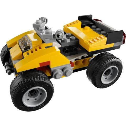 Mô hình biến thể gầm cao trong Lego Creator 31002 - Xe Đua