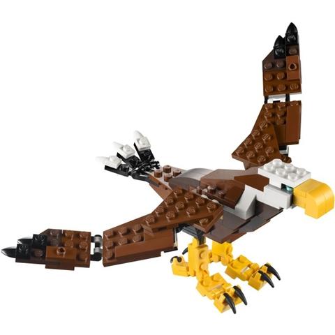 Chú đại bàng dũng mãnh với đôi cánh sải trong Lego Creator 31004 - Động Vật Hoang Dã