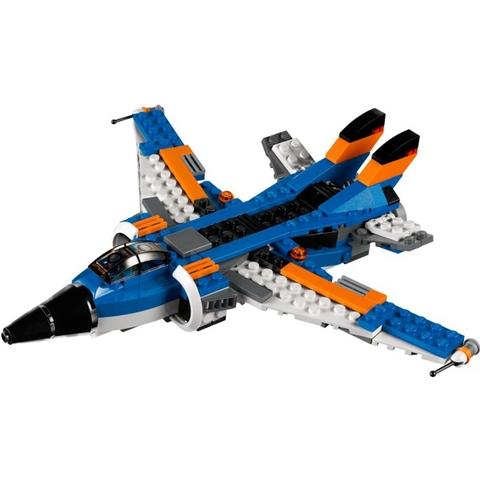 Mô hình chiếc máy bay hiện đại trong bộ Lego Creator 31008 - Máy Bay Sấm Chớp