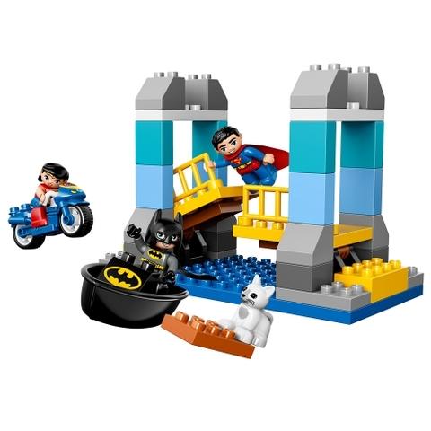 Lego 10599 với các chi tiết màu xanh đặc trưng của siêu anh hùng Superman