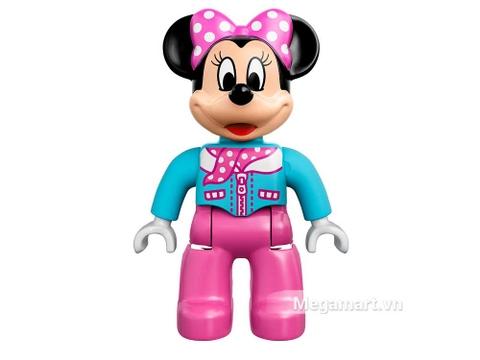 Minnie xinh xắn với bộ trang phục nổi bật