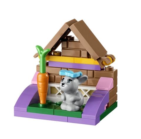 Hình ảnh ngôi nhà đáng yêu của chú thỏ trong bộ xếp hình Lego 41022 - Nhà Cho Thỏ Con