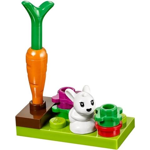 Mô hình thỏ con và các dụng cụ cho thỏ ăn trongLego Friends 41087 - Thỏ Mẹ Bunny và Thỏ Con