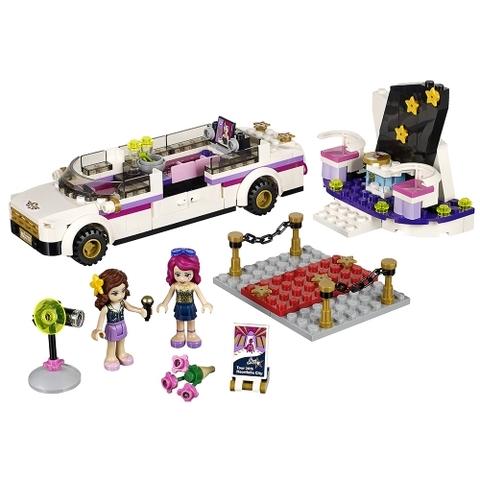 Không gian nghệ thuật đa sắc màu trong bộ đồ chơi Lego Friends 41107 - Xe Limo Ngôi Sao Ca Nhạc