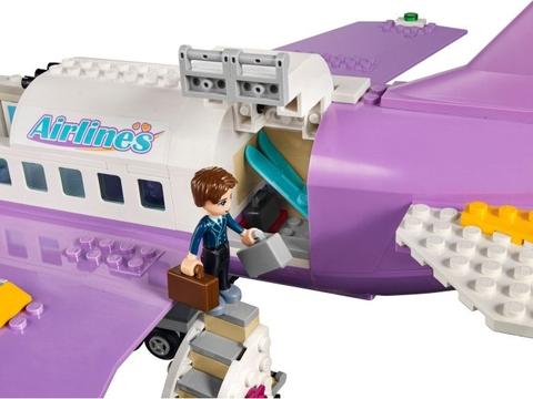 Bộ đồ chơi Lego Friends 41109 - Sân Bay Heartlake nằm trong chủ đề được yêu thích của các bé trên toàn thế giới