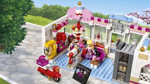 Lego Friends 41119 - Quán Cà Phê Bánh Ngọt Heartlake - nhân viên phục vụ