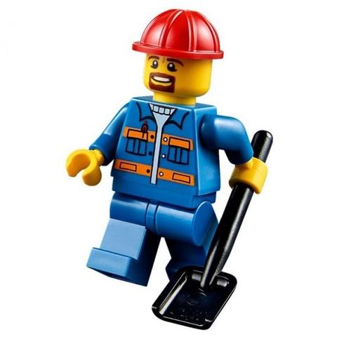 Lego Juniors 10683 - Xe tải làm đường - nhân vật công nhân