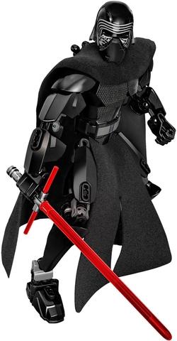 Các chi tiết được thiết kế cầu kỳ, tỉ mỉ trong Lego Star Wars 75117 - Tướng Quân Kylo Ren
