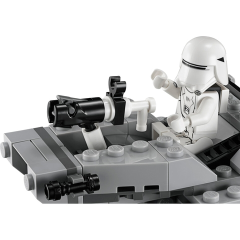 Cuộc chiến không gian trong bộ xếp hình Lego Star Wars 75126 - Tàu Trượt Tuyết của Tổ Chức Thứ Nhất