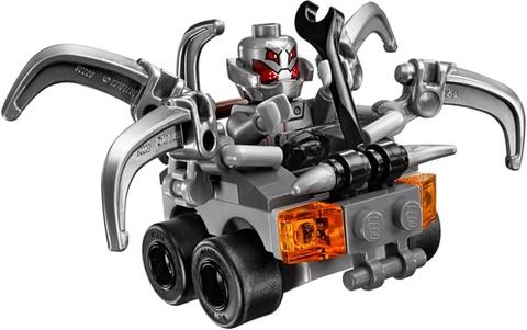 Lego Super Heroes 76066 - Người Khổng Lồ Xanh Đại Chiến Ultron - nhân vật phản diện