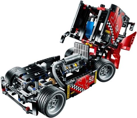 Đầu của chiếc xe đầu kéo Lego Technic 42041 - Đầu Kéo Siêu Tốc