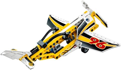Các mô hình ấn tượng trong bộ Lego Technic 42044 - Biệt Đội Phản Lực Trình Diễn