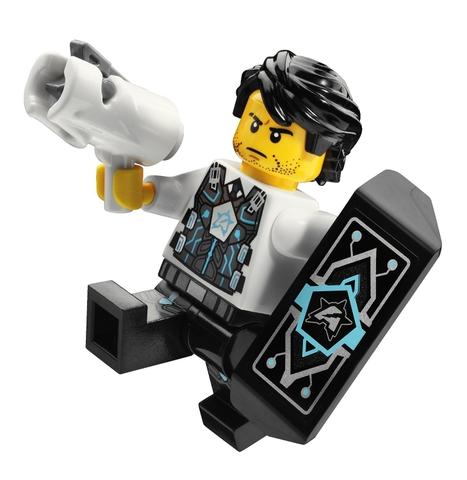 Lego Utra Agents 70161 - Cuộc đột nhập của Tremor Track - nhân vật chính