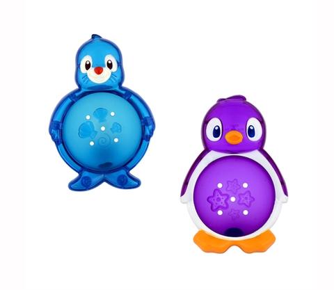 Sản phẩm Munchkin Chim cánh cụt 5 món giúp kích thích giác quan của bé