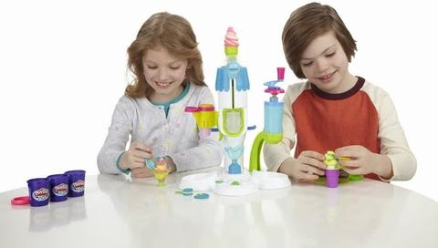 Bé vui chơi cùng Play-Doh A2104 - Máy làm kem hoàn hảo