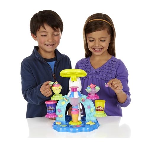 Play-Doh B0306 - Máy làm kem cầu vồng được làm từ chất liệu an toàn cho bé