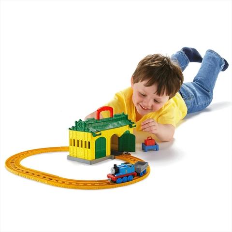 Thomas & Friend Bộ đường ray nhà xe Tidmouth - bé vui chơi cùng Thomas