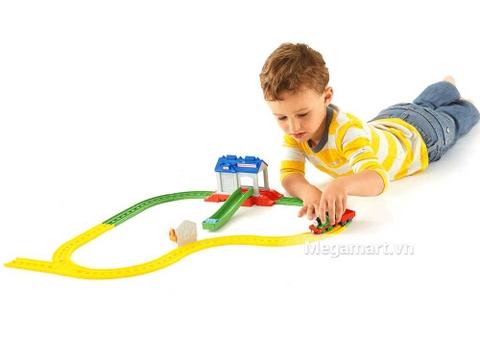 Chơi cùng Bộ đường ray Percy, trẻ phát triển tư duy