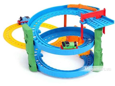 Thomas & Friends Bộ đường ray xoắn ốc - vòng cua mạo hiểm