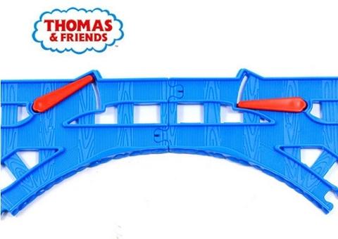 Thomas & Friends Bộ phụ kiện đường ray với các chi tiết tạo thành
