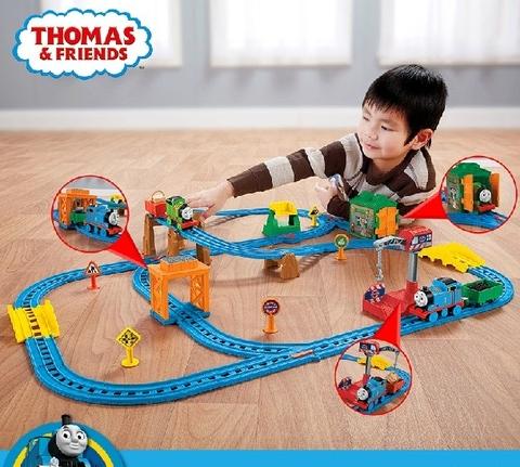 Mô hình Thomas and Friends Bộ đường ray Một ngày bận rộn cùng Percy