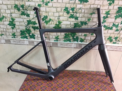 Frame cacbon BOARDMAN SLR super light 2018 . New