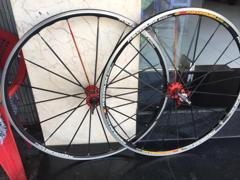 Wheelset MAVIC ksyrium ES . made in France