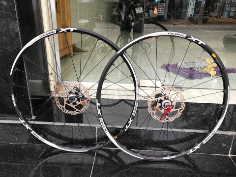 Wheelset MTB shimano deore XT . LIKE NEW
